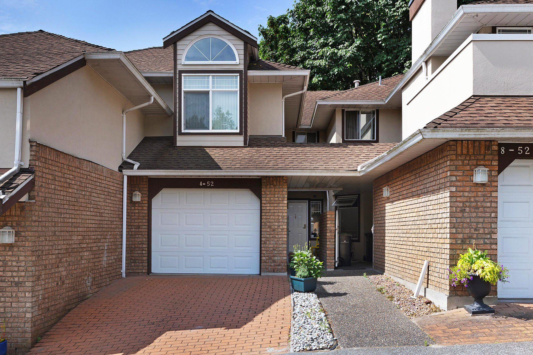 Sold Real Estate Property: 452 Richmond St, New Westminster, British Columbia, V3L 5P2